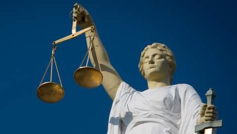 2014-03-05 16:30:29 ROTTERDAM - Een beeld van Vrouwe Justitia ANP XTRA ROOS KOOLE